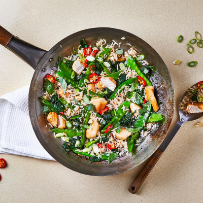 Food delivery try our recipe kits gousto ten min chicken fried rice with mange tout forumfinder Gallery